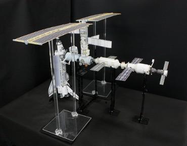 1/100スケールペーパークラフトによる 国際宇宙ステーション(2001年4月24日の状態 その1)