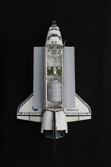 1/100スケールペーパークラフトによる スペースシャトル「ディスカバリー(STS-105)」