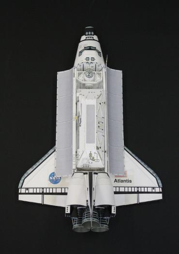 1/100スケールペーパークラフトによる STS-110「アトランティス」