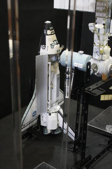 国際宇宙ステーションにドッキングした STS-110「アトランティス」