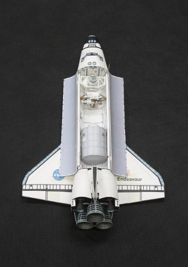 1/100スケールペーパークラフトによる スペースシャトル「エンデバー」(STS-111)