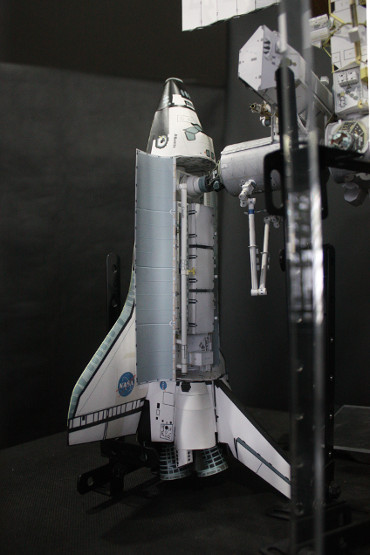 国際宇宙ステーションにドッキングした STS-112「アトランティス」