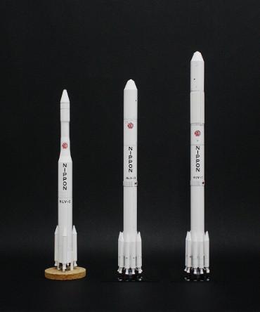 1/100スケールペーパークラフトによる 日本の「白いロケットシリーズ」