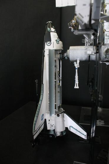 国際宇宙ステーションにドッキングした STS-114「ディスカバリー」