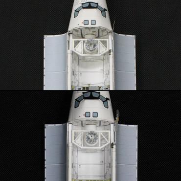 STS-114ミッション時(上)とSTS-121ミッション時(下)のドッキングシステム横のツールボックス
