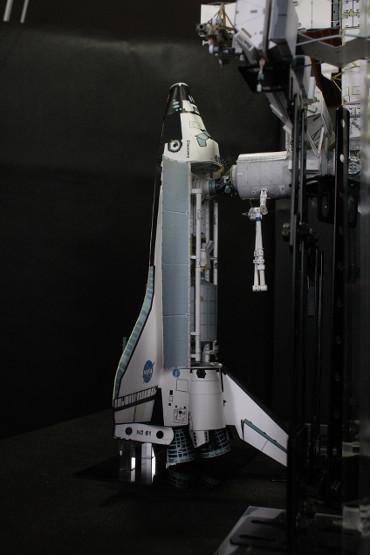 国際宇宙ステーションにドッキングした STS-121「ディスカバリー」