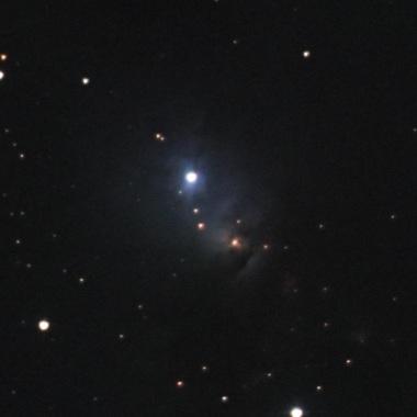 ペルセウス座の反射星雲NGC1333